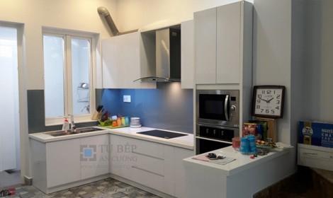 Thi công tủ bếp Acrylic nhà phố Quận Bình Thạnh