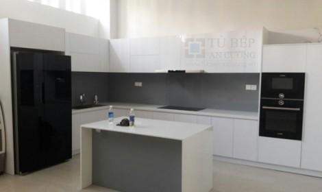 Thi công tủ bếp Acrylic nhà phố Lê Văn Sỹ Quận 3
