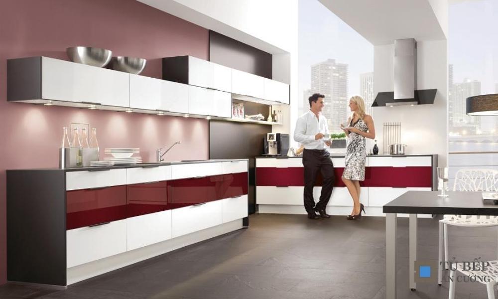 Tủ bếp Acrylic bóng gương trắng đỏ Mẫu 071