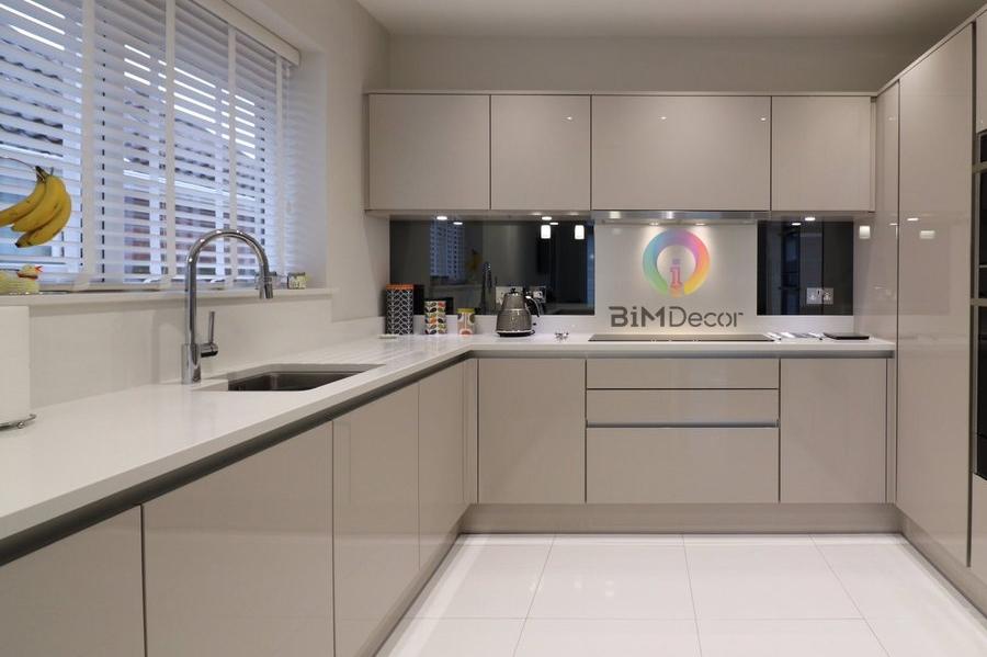 Mẫu tủ bếp đẹp Acrylic MS211